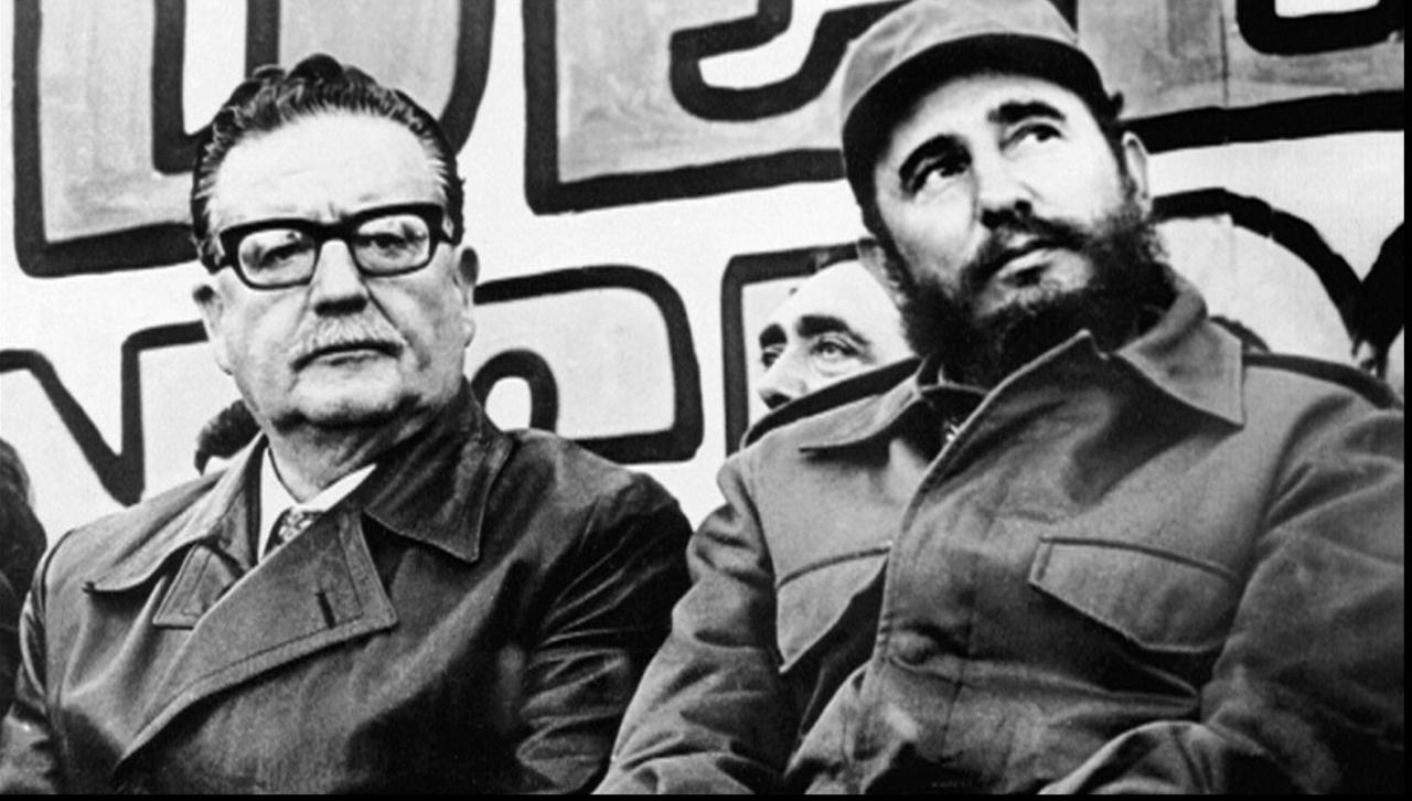 智利前總統薩爾瓦多·阿葉德(圖左)。